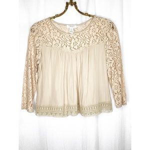 Flowy boho top with lace detail